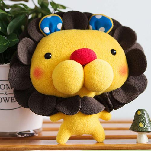 doll (S), lion