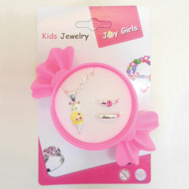 Necklace and 2 Ring Jewelry set in candy shape box